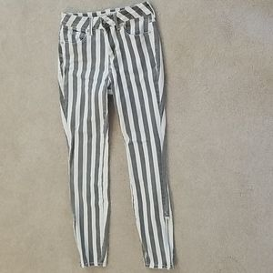 Bullhead high rise striped denim jean/jeggings